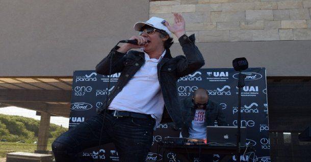 Maxi Trusso y sus hits en el festejo de Radio One<br>