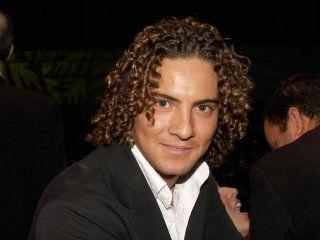 David llamó la atención de sus fans por su entulada cabellera