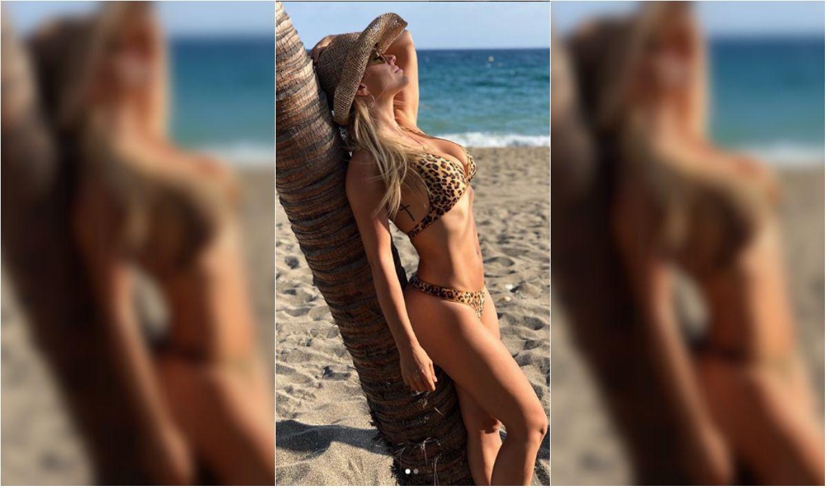 Eva Anderson en la playa