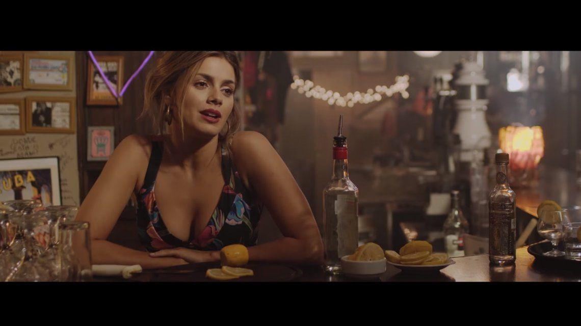 Natalie Pérez una bomba sensual en su videoclip