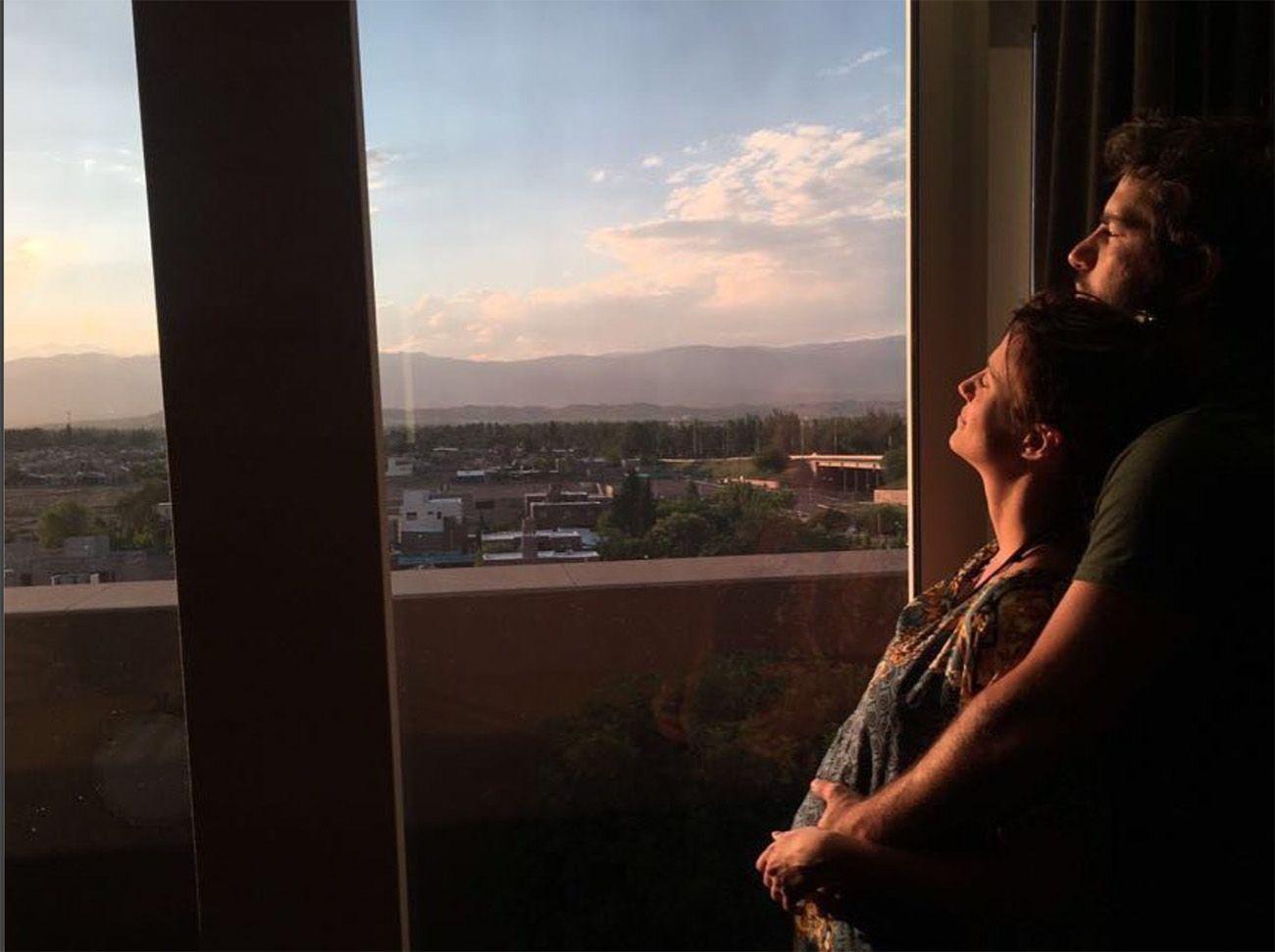 Con una tierna foto, Mónica Antonópulos confirmó que está embarazada