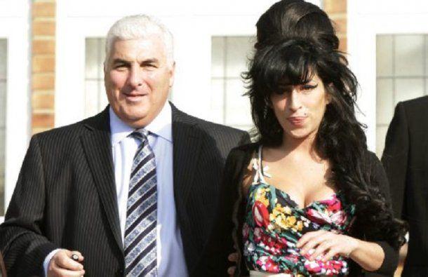 Mitch y Amy Winehouse