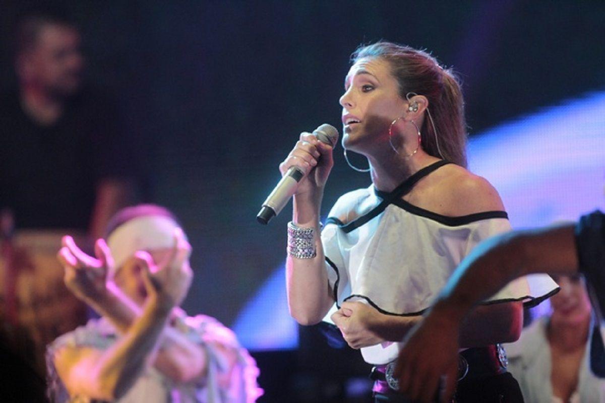 Soledad Pastorutti, con problemas de sonido en pleno show: ¿Alguien me puede decir algo?