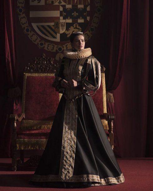 La China Suárez y Benjamín Vicuña, como la reina y el sargento