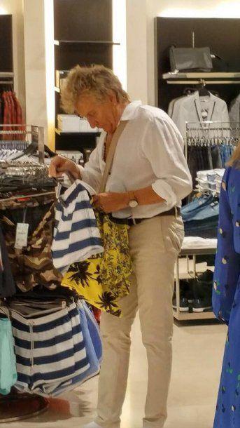 Rod Stewart en un shopping de Buenos Aires<br>