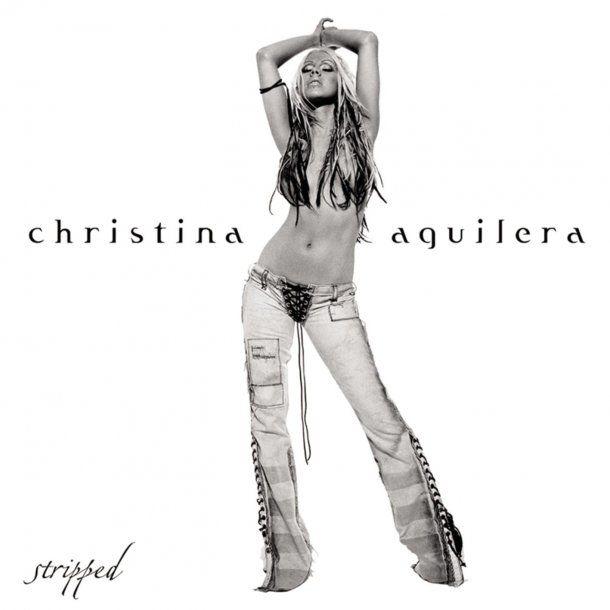 Christina Aguilera más sensual que nunca a los 37 años