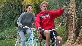 Selena Gomez y Justin Bieber, acaramelados