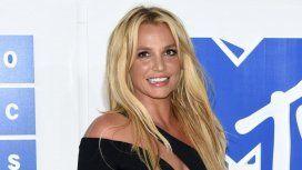 Britney se animó a jugar al tenis