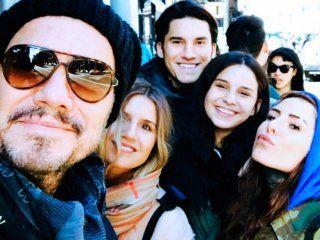 Marcelo Tinelli junto a sus hijos Micaela, Francisco, Juanita y Candelaria