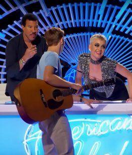 Katy Perry minutos antes de besar al joven