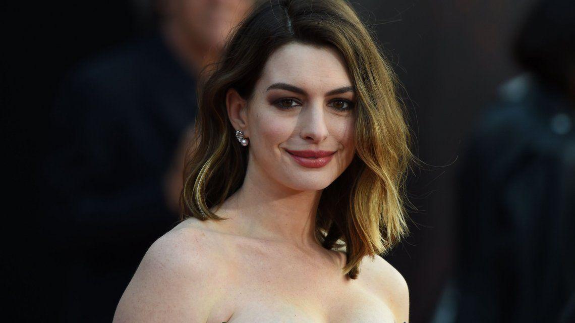 Fuerte posteo de Anne Hathaway contra la críticas machistas por su aumento de peso