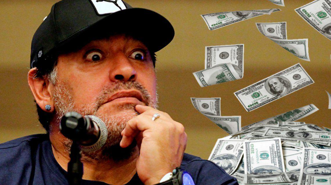 Diego Maradona en Dubái y lleno de dólares