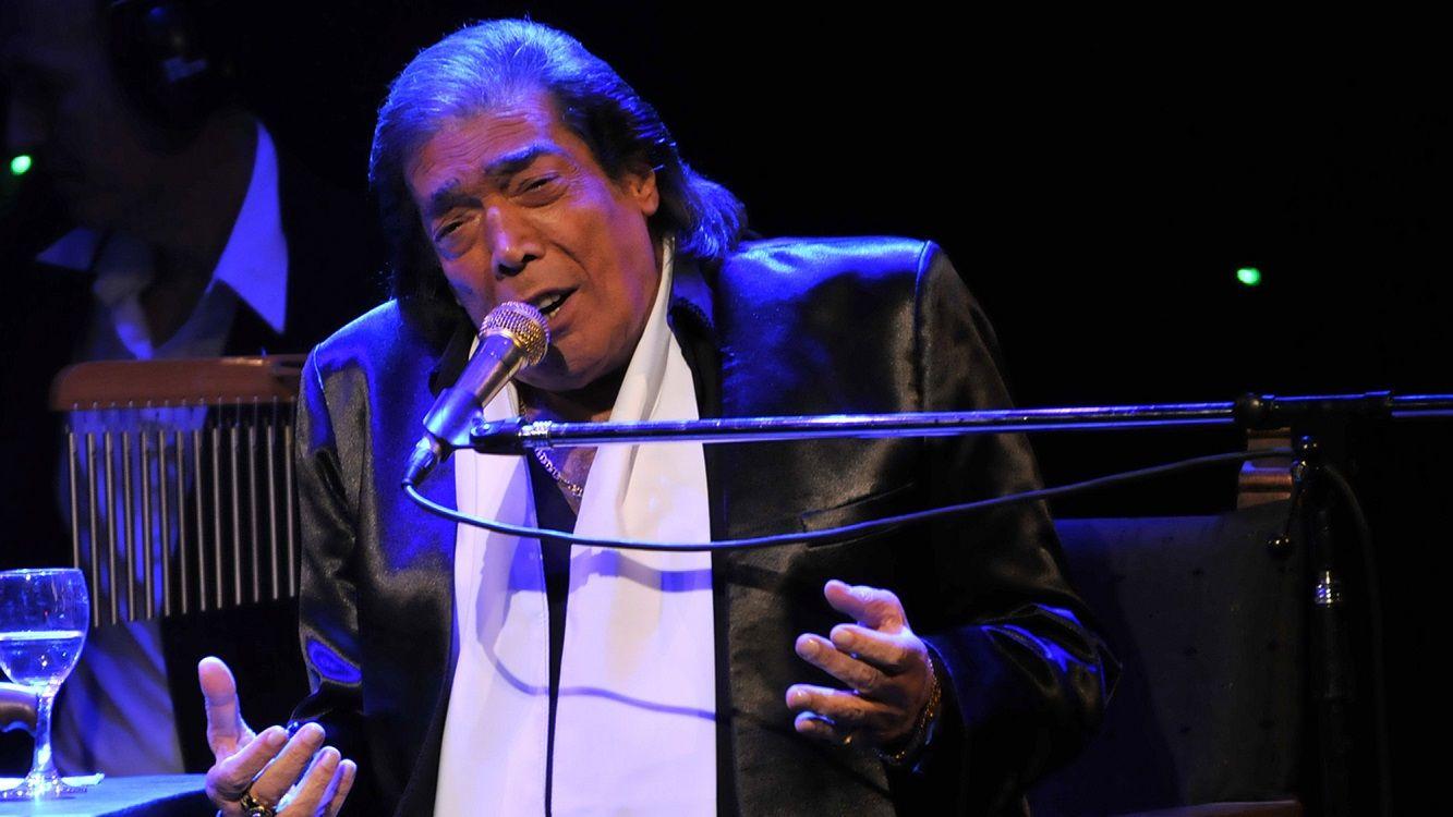 Cacho Castaña cantó con Tini Stoessel
