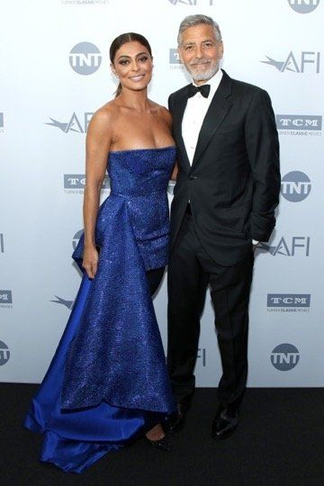 Juliana Paes and honoree George Clooney