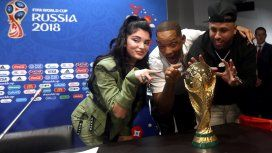 Will Smith y Nicky Jam estarán en la final del Mundial (crédito Fifa.com)