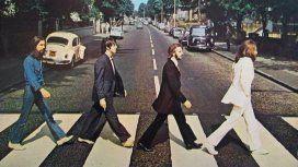 Los Beatles curzando Abbey Road