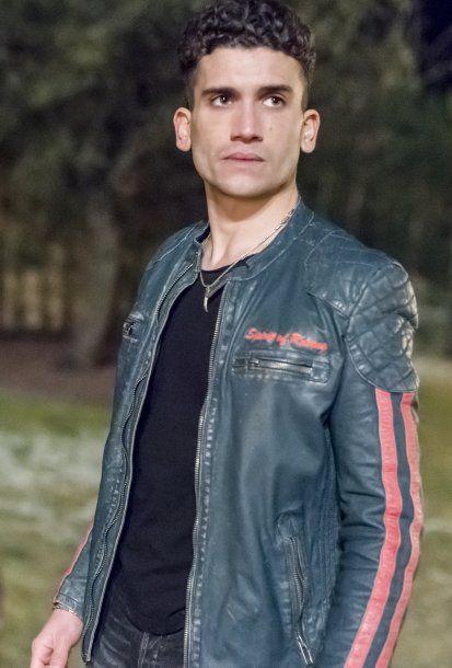 <p><strong>Jaime Lorente</strong> es Nano, el hermano de Samuel que acaba de salir de la cárcel</p>