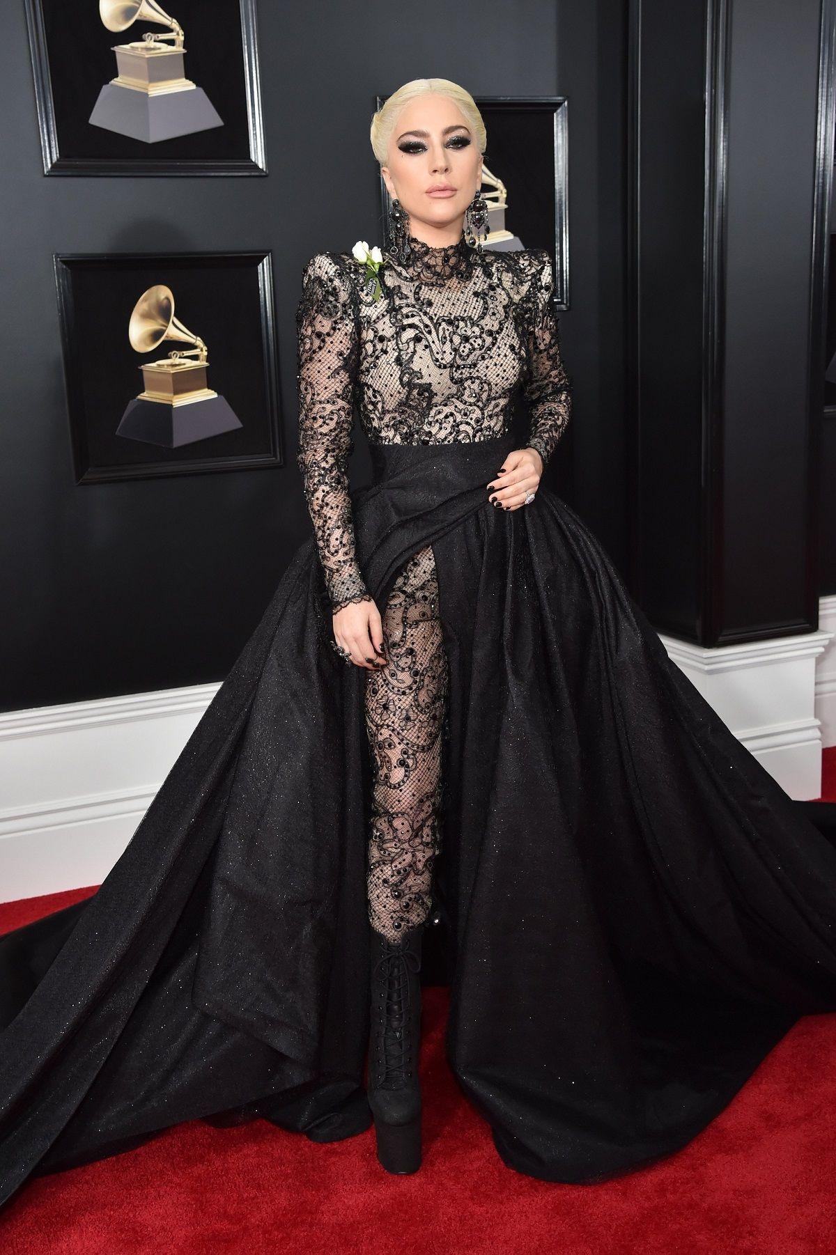 Lady Gaga encendió Instagram con fotos completamente desnuda