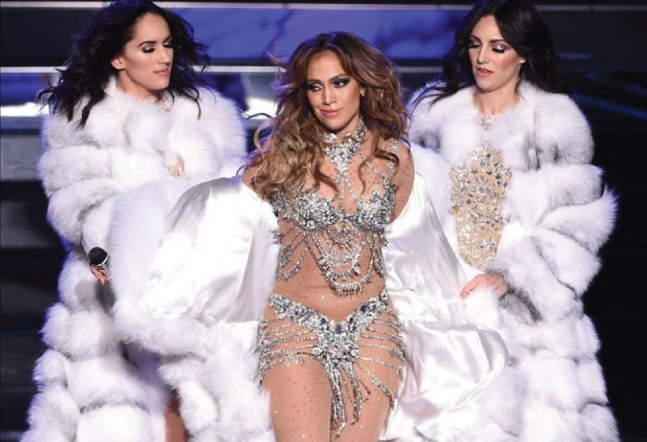 El tremendo golpazo de Jennifer López en un show de Las Vegas