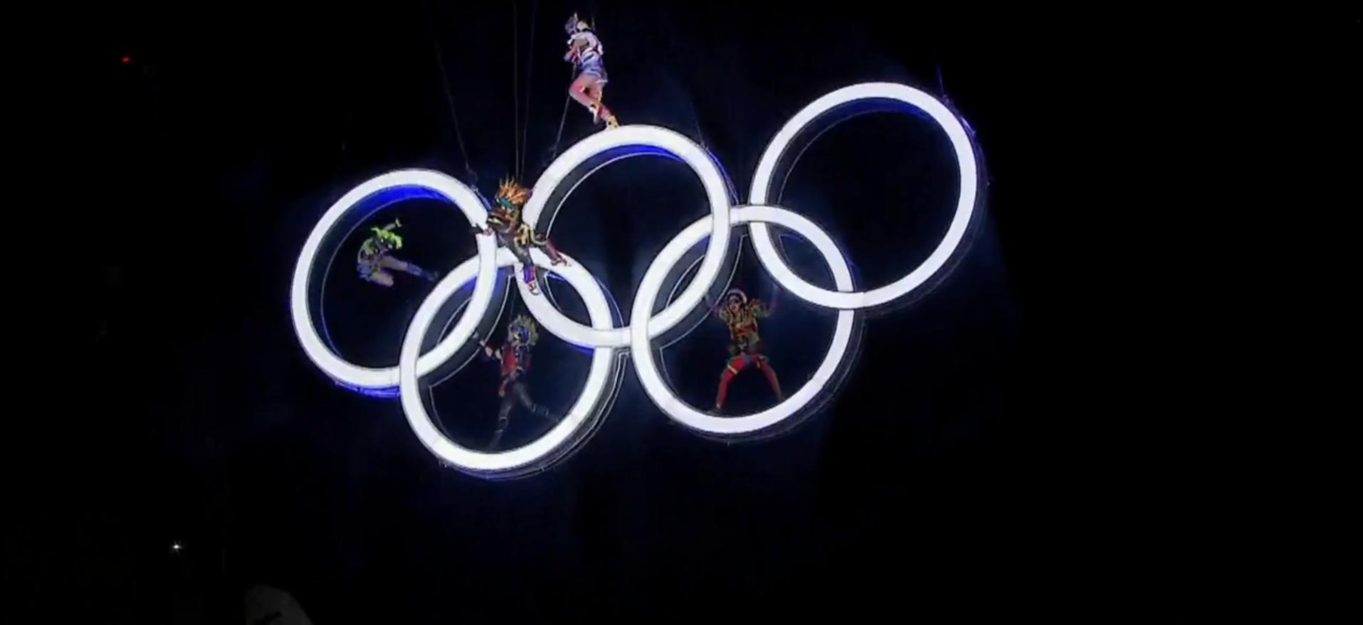 Así fue el espectacular show de Fuerza Bruta en la inauguración de los Juegos Olímpicos de la Juventud