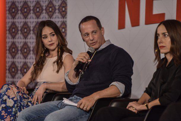 <p>Camila Sodi, Erik Barmack y Cecilia Suárez (La casa de las flores)</p>