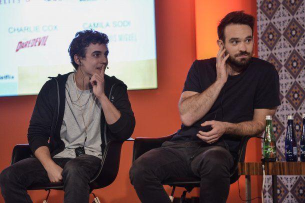 <p>Miguel Herrán (La Casa de Papel, Élite) y Charlie Cox (Daredevil)</p>