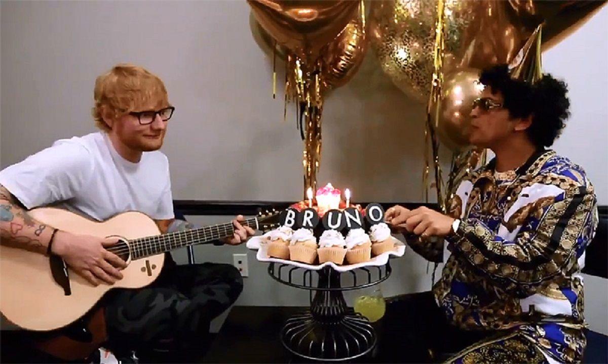 Bruno Mars celebró su cumpleaños con Ed Sheeran.