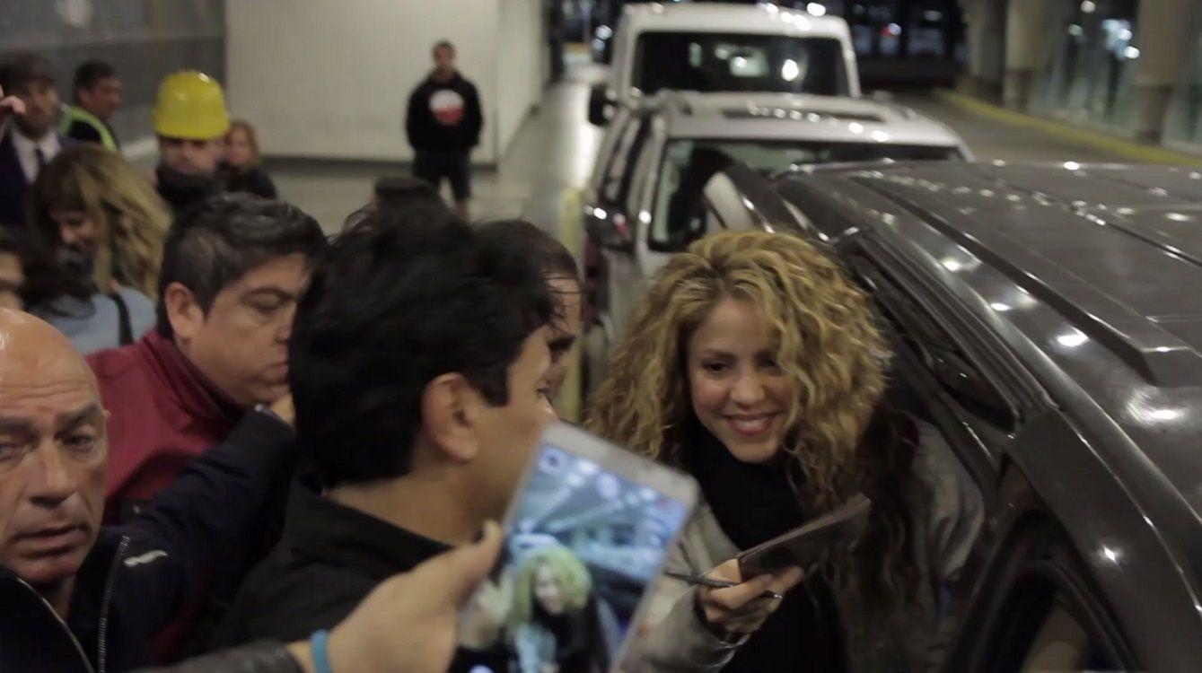 VIDEO: El fervoroso recibimiento a Shakira en Argentina