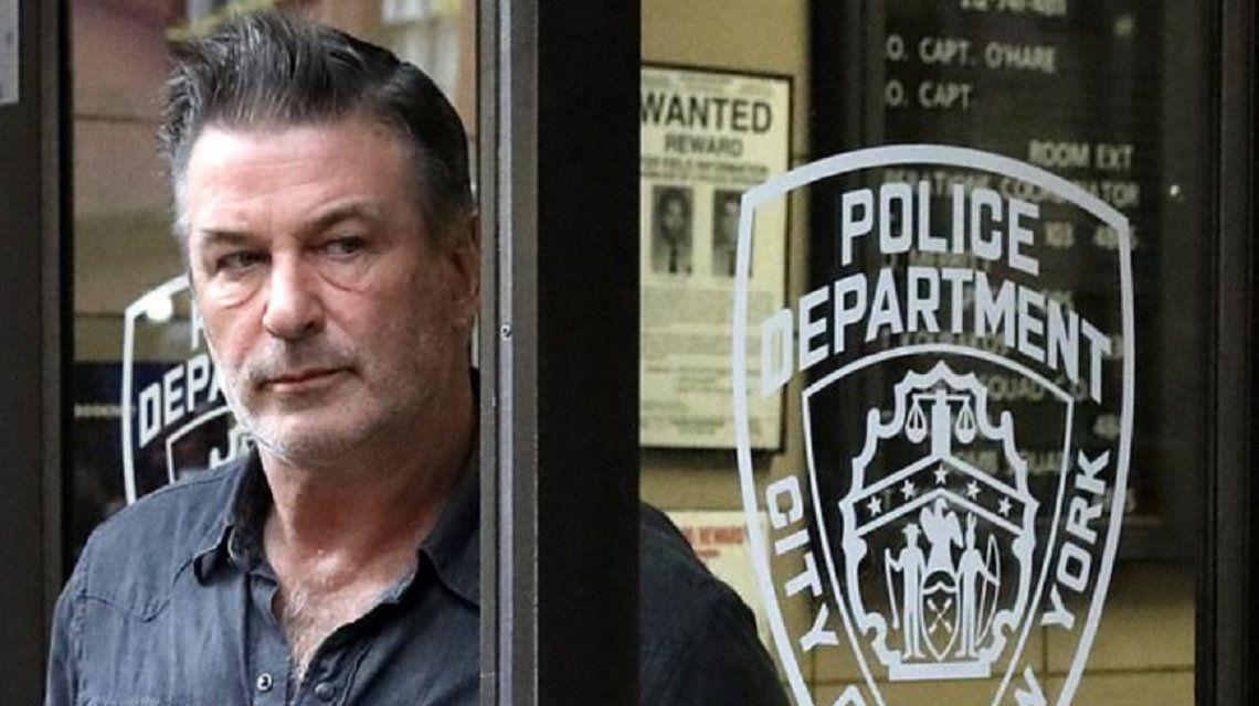 Alec Baldwin fue arrestado en Nueva York por golpear y mandar al hospital a un hombre