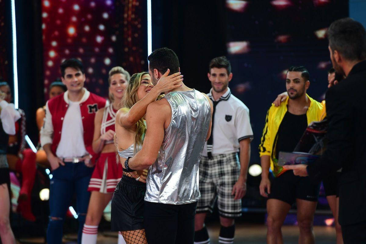 El beso de Jimena Barón y Mauro Caiazza (gentileza LaFlia - Jorge Luengo)