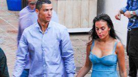 La mano indiscreta de Georgina Rodríguez en una foto con Cristiano Ronaldo