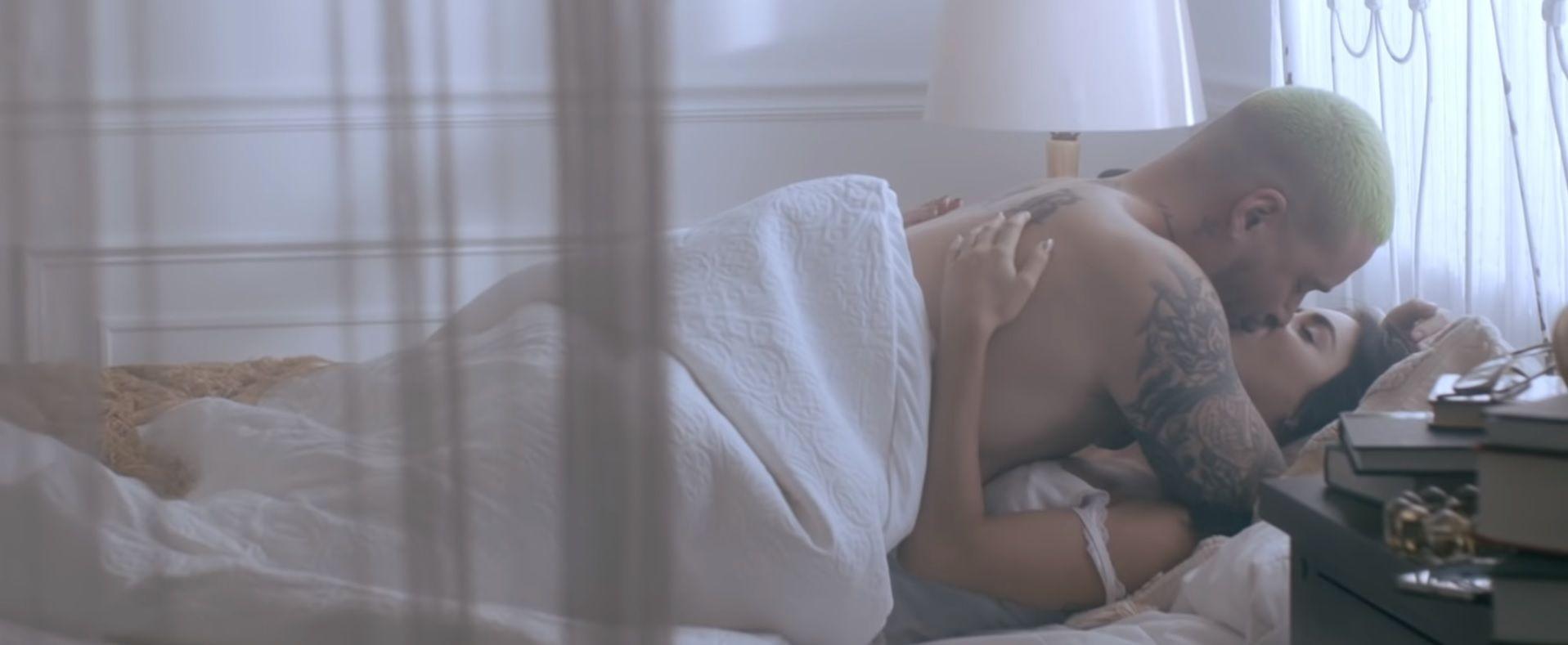 Lali Espósito y J Balvin, a puro beso en el nuevo videoclip de Ricardo Montaner