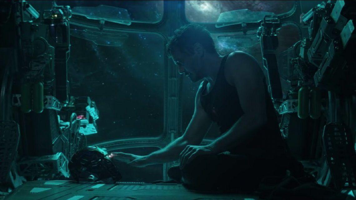 Tony Stark (Robert Downey Jr.) perdido en el espacio