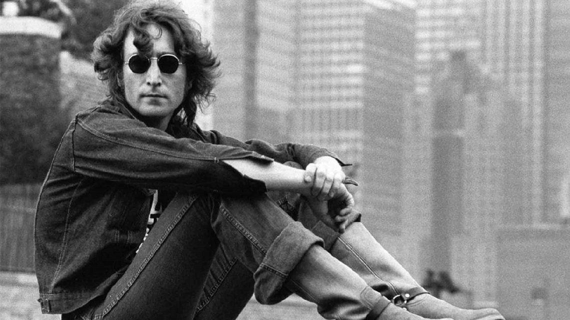Se cumplen 38 años: el libro que motivó el asesinato de John Lennon