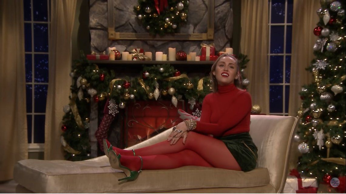 El villancico feminista de Miley Cyrus para Navidad