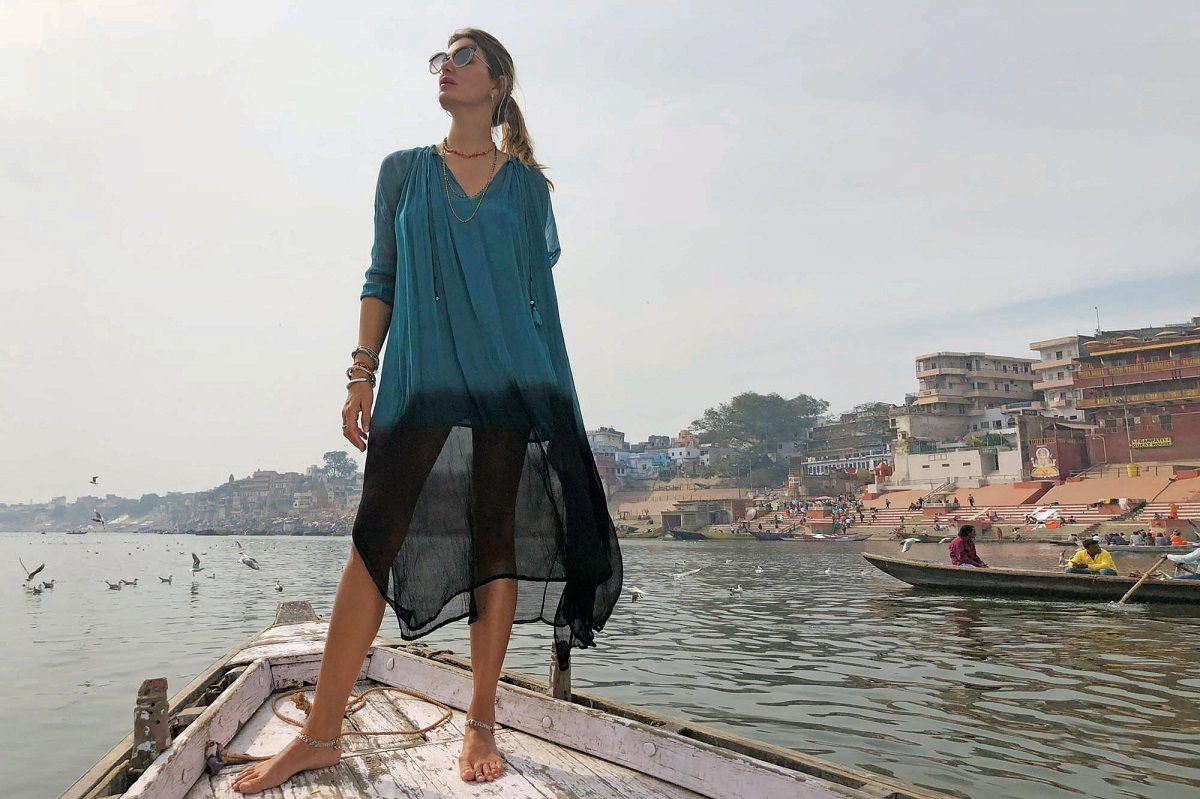 El sensual topless de Dolores Barreiro en las playas de Uruguay