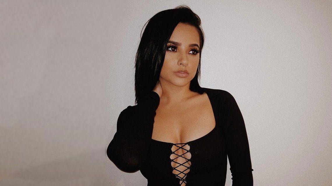 Las fotos de Becky G, sin pijama ni corpiño