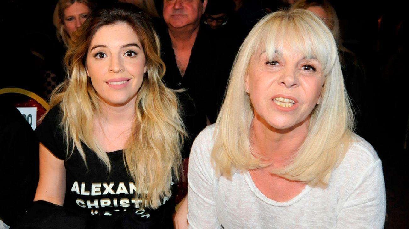 Claudia Villafañe inició acciones legales por la serie sobre Diego Maradona
