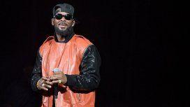 El cantante R. Kelly, bajo orden de arresto por abuso sexual de tres menores