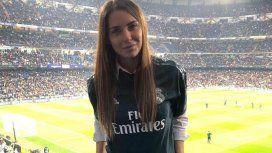 Mina Bonino con la camiseta del Real Madrid en el Bernabéu