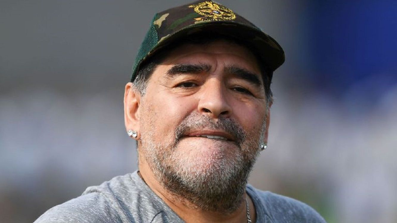 Diego Maradona le envió un regalo a Dalma por el nacimiento de su hijo pero no la llamó