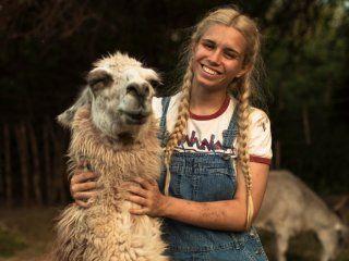 el detras de escena del conmovedor video de la influencer connie isla con animales