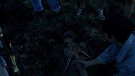 Fuego, espadas y tumbas: el nuevo clip de El mató a un policía motorizado