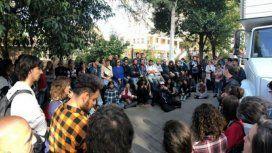 Protesta y paro de los trabajadores de la serie sobre Diego Maradona: no les pagaron el sueldo