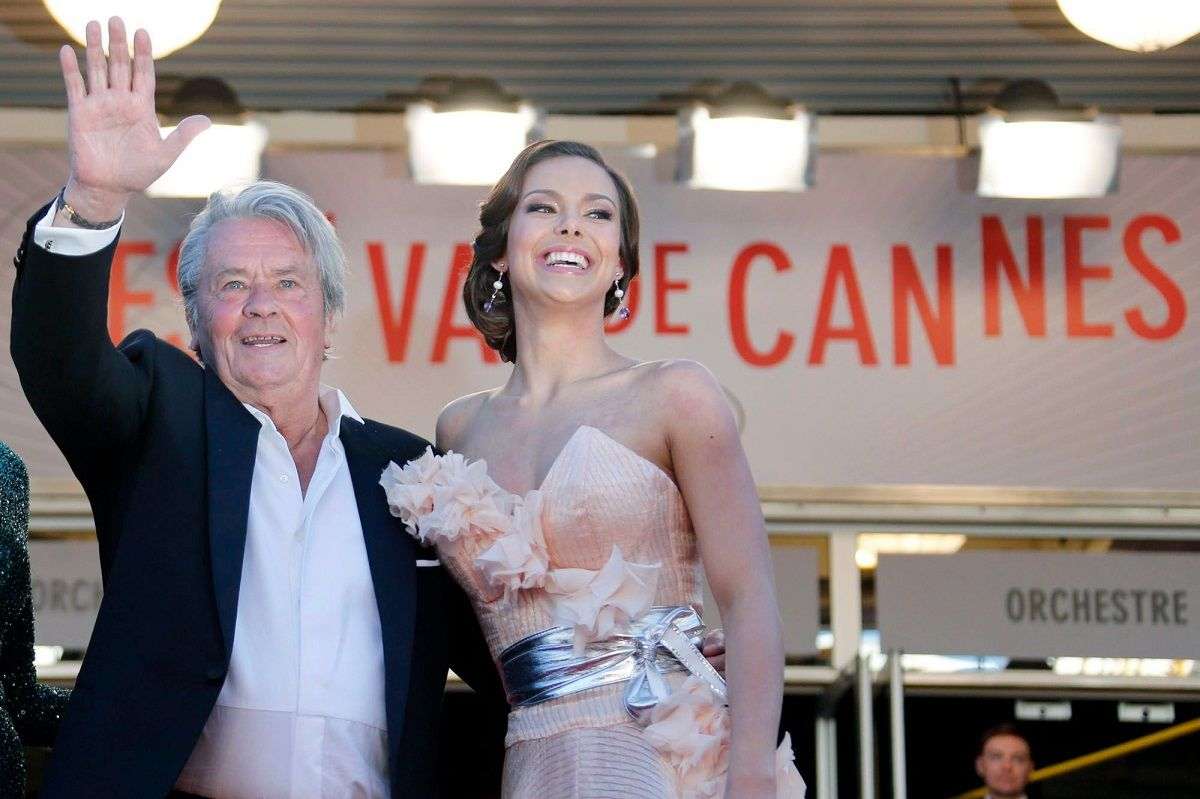 Repudio feminista al Festival de Cannes por reconocimiento a Alain Delon