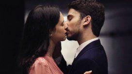 ¡Al fin! El tremendo beso entre Albert Baró y Delfina Chaves en ATAV