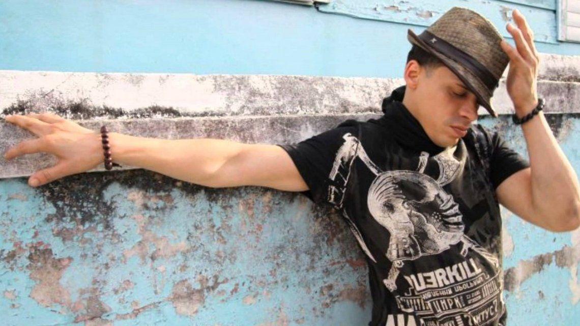 El cantante de La vecinita tiene antojo, Vico C, pelea por su vida