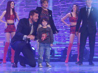 lorenzo, el hijo menor de marcelo tinelli, aparecio por primera vez en tv