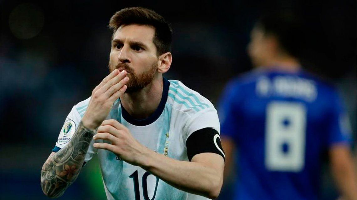Antonela Roccuzzo respondió al romántico festejo de Lionel Messi tras su gol a Paraguay