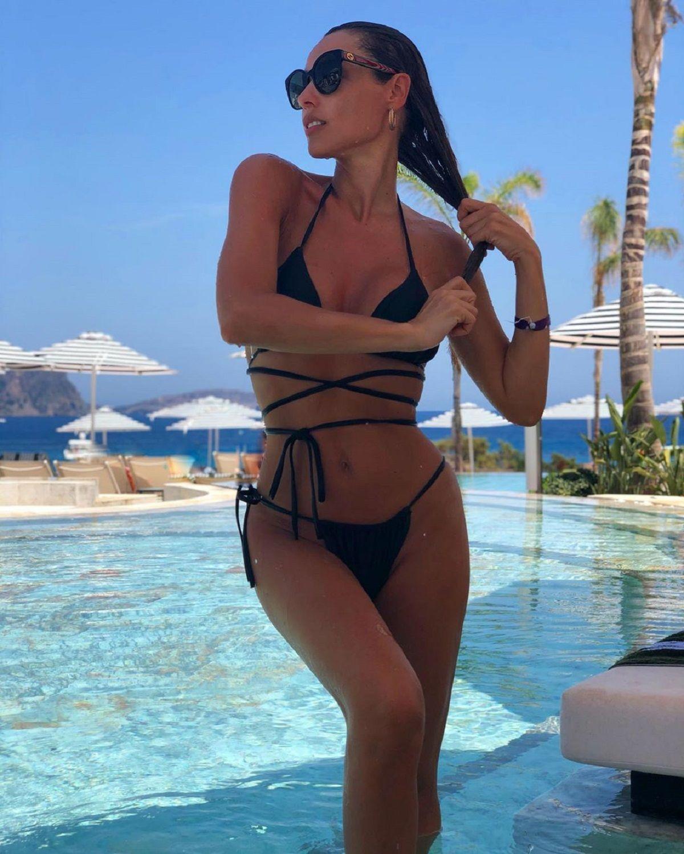 El álbum de las vacaciones de Pampita en Ibiza